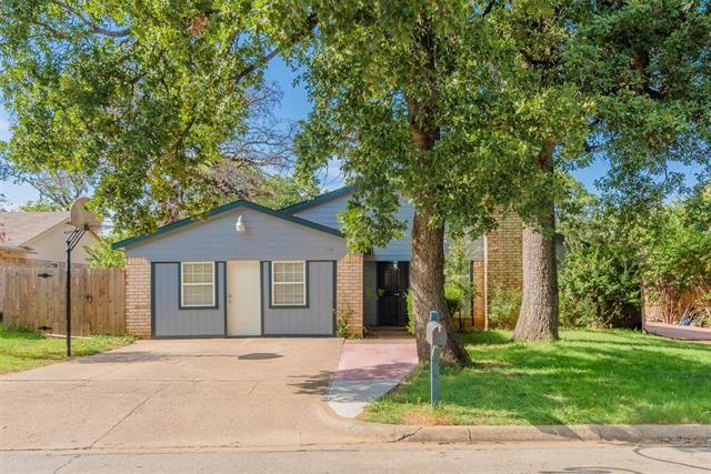 201 Hallmark Drive, Arlington, TX 76011 - #: 14392178
