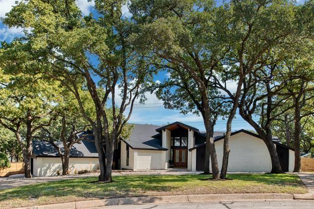 420 Lynndale Court, Hurst, TX 76054 - #: 14447182