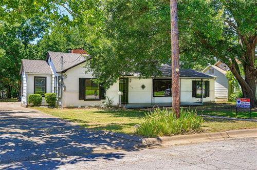 Photo of 1213 Hillcrest Boulevard, Gainesville, TX 76240 (MLS # 14368184)