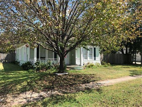 Photo of 716 N Virginia Street, Terrell, TX 75160 (MLS # 14177186)