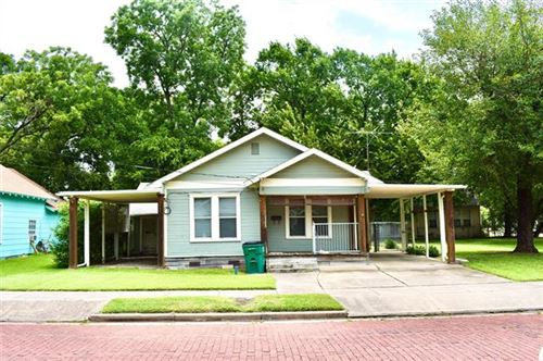 Photo of 804 N Commerce Street, Gainesville, TX 76240 (MLS # 14631189)