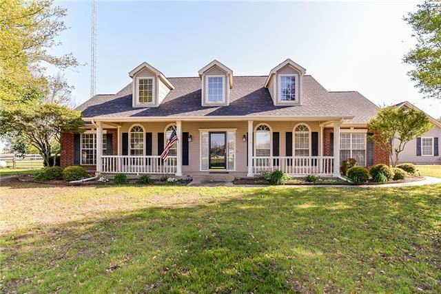 Photo for 11410 Foutch Road, Pilot Point, TX 76258 (MLS # 13817190)
