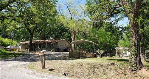 Photo of 311 S Hillcrest Circle, Gordonville, TX 76245 (MLS # 14067191)
