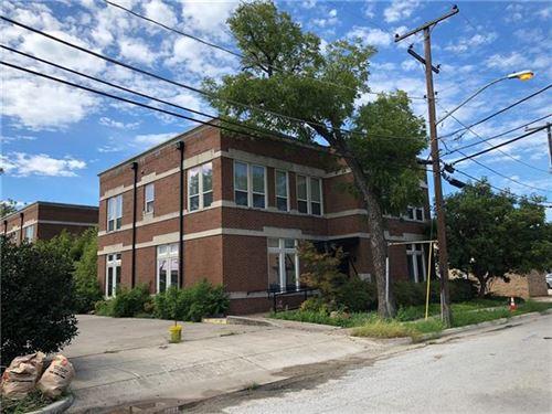 Photo of 817 W Tucker Street, Fort Worth, TX 76104 (MLS # 13981192)