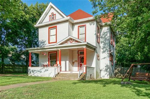 Photo of 309 N Scullin Avenue, Denison, TX 75020 (MLS # 14385193)