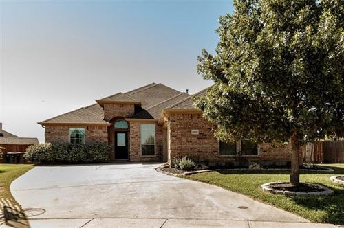Photo of 8900 Lake Rock Court, Fort Worth, TX 76179 (MLS # 14444195)