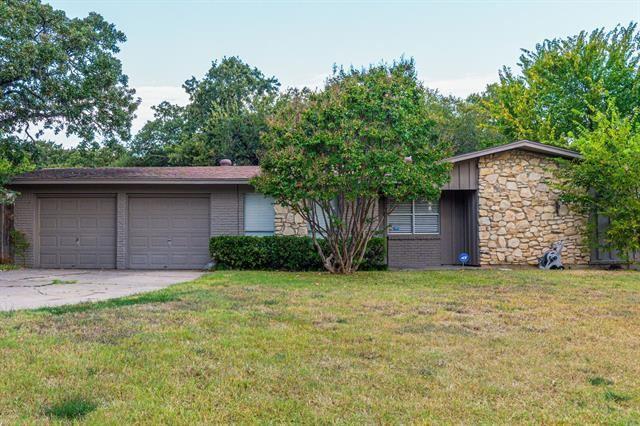 10 Stonegate Drive, Bedford, TX 76022 - #: 14675201