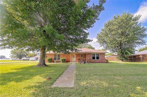 Photo of 639 E Newberry Street, Pilot Point, TX 76258 (MLS # 14384203)