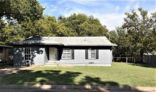 Photo of 209 N Colbert Avenue, Sherman, TX 75090 (MLS # 14678208)
