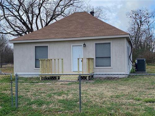 Photo of 208 N Martin Street, Quinlan, TX 75474 (MLS # 14487214)