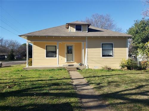 Photo of 612 Turner Street, Cleburne, TX 76033 (MLS # 14506214)