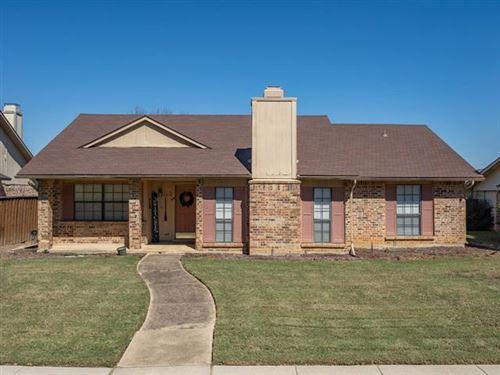 Photo of 2812 Hamlett Lane, Flower Mound, TX 75028 (MLS # 14691218)