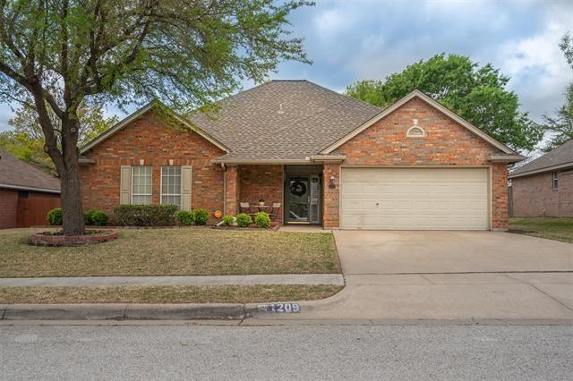 1209 Highcrest Drive, Burleson, TX 76028 - #: 14551219