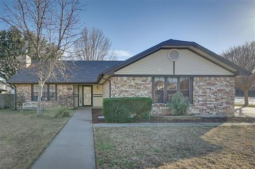 Photo of 1927 Big Bend Drive, Grapevine, TX 76051 (MLS # 14500223)