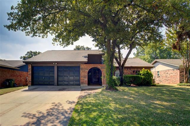 5308 Holly Hollows Drive, Arlington, TX 76016 - #: 14450224