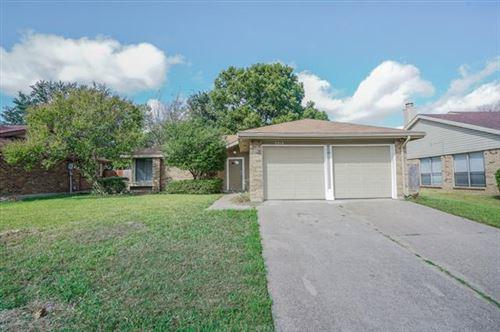 Photo of 5314 Yaupon Drive, Arlington, TX 76018 (MLS # 14698225)