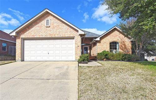 Photo of 5008 Saddle Trail, Sanger, TX 76266 (MLS # 14280226)