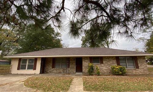 Photo of 607 N Houston Street, Edgewood, TX 75117 (MLS # 14463228)