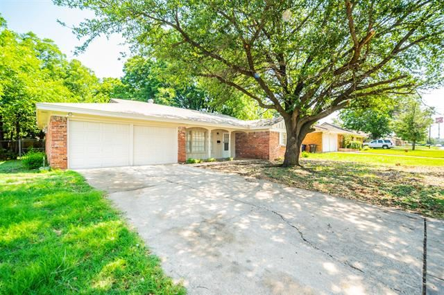 208 Bellvue Drive, Fort Worth, TX 76134 - #: 14626231