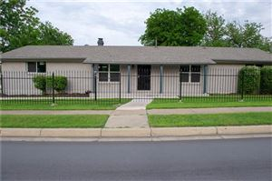 Photo of 900 E Cantey Street, Fort Worth, TX 76104 (MLS # 14086236)