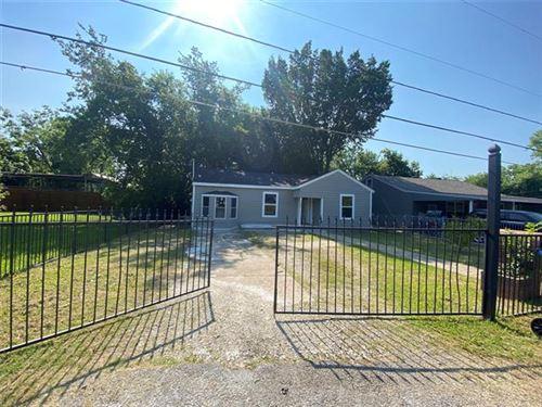 Photo of 3007 Walnut Street, Greenville, TX 75401 (MLS # 14603236)