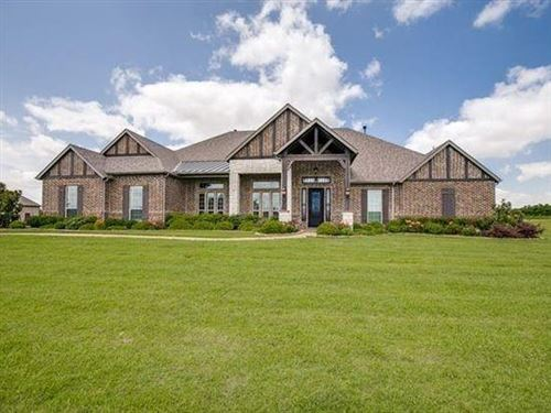 Photo of 304 Chisholm Ridge Drive, Rockwall, TX 75032 (MLS # 14506239)