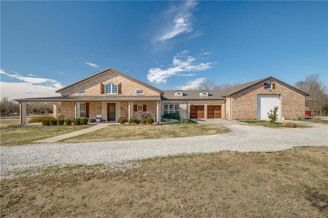 Photo for 6071 County Road 161, McKinney, TX 75071 (MLS # 13946241)