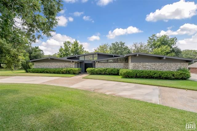 621 Oakpark Drive, Brownwood, TX 76801 - #: 14665243