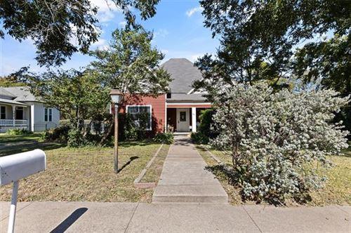 Photo of 406 W Spring Street, Weatherford, TX 76086 (MLS # 14459245)