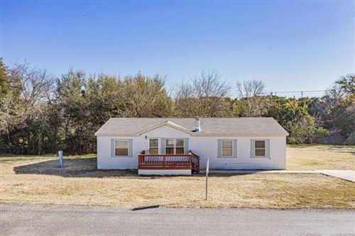 Photo of 809 Huron Drive, Granbury, TX 76048 (MLS # 14500245)