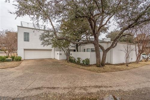 Photo of 2121 Fountain Square Drive, Fort Worth, TX 76107 (MLS # 14525246)