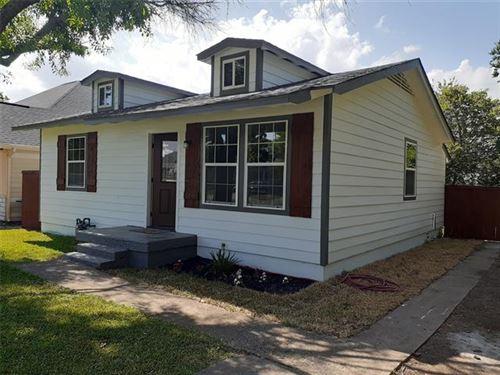 Photo of 318 W Vinyard Road, Duncanville, TX 75137 (MLS # 14638250)