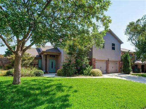 Photo of 1211 Oxford Lane, Grapevine, TX 76051 (MLS # 14430251)