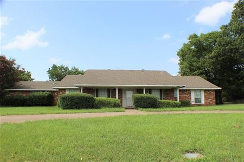 Photo of 704 W End Street, Terrell, TX 75160 (MLS # 14378255)