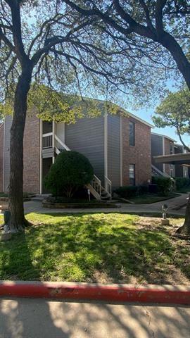 Photo of 1212 Riverchase Lane #242, Arlington, TX 76011 (MLS # 14684258)
