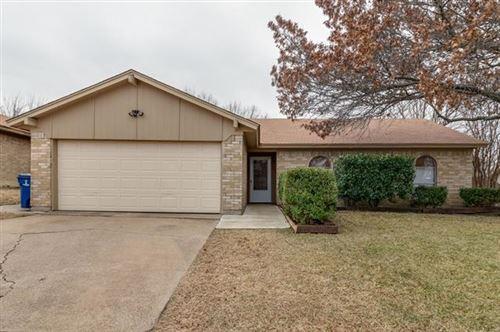 Photo of 6420 Alta Vista Drive, Watauga, TX 76148 (MLS # 14502260)