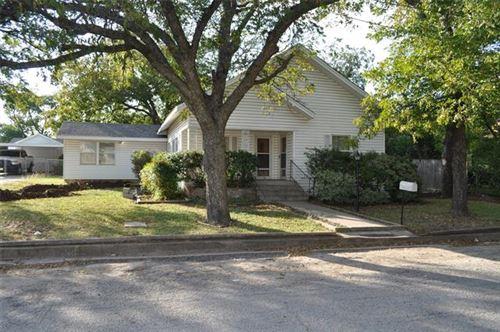Photo of 107 N Boundary Street, Weatherford, TX 76086 (MLS # 14457261)