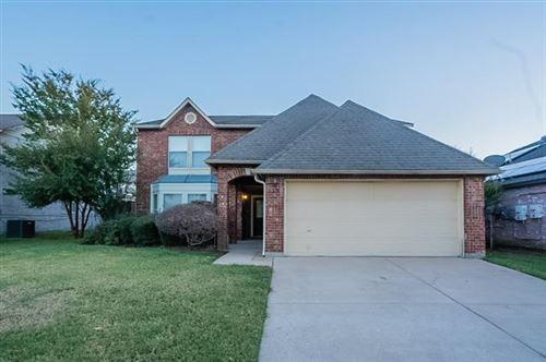 Photo of 224 Miramar Drive, Arlington, TX 76002 (MLS # 14697261)
