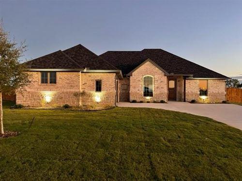 Photo of 805 Shirley Jean Lane, Collinsville, TX 76233 (MLS # 14582264)