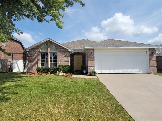 301 W Glen Meadow Drive, Glenn Heights, TX 75154 - #: 14664266