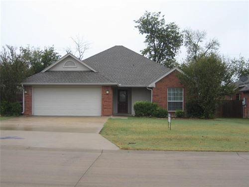 Photo of 1005 Porter Place, Sanger, TX 76266 (MLS # 14461269)