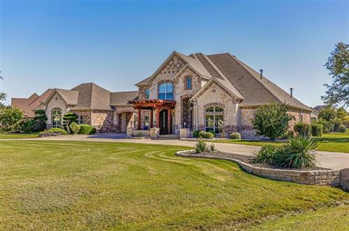 Photo of 1553 Willow Tree Drive, Fort Worth, TX 76052 (MLS # 14694275)