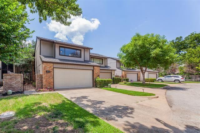 1012 Woodoak Court, Fort Worth, TX 76112 - #: 14621278