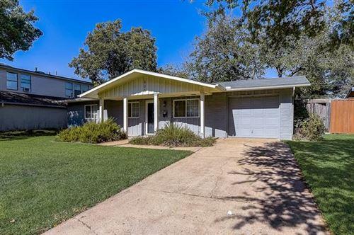 Photo of 828 Kingswood Avenue, Richardson, TX 75080 (MLS # 14697281)