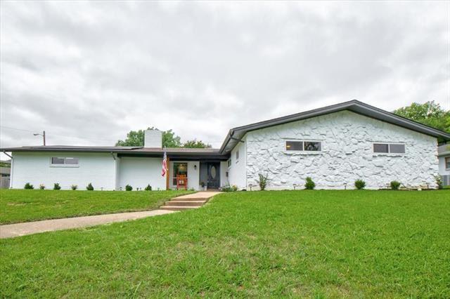 4501 Starlight Drive, Haltom City, TX 76117 - #: 14582281