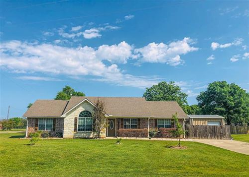 Photo of 459 W Shore Dr, Wills Point, TX 75169 (MLS # 14554284)