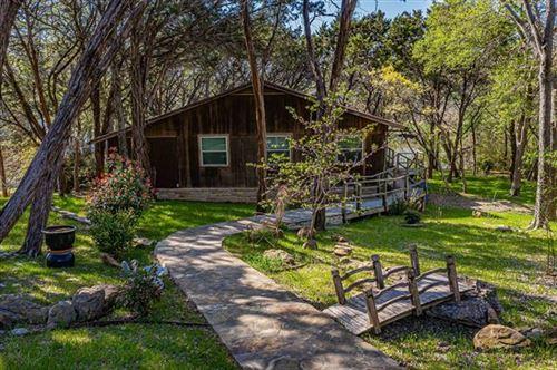 Photo of 1107 Laguna Vista Drive, Granbury, TX 76048 (MLS # 14573286)