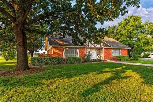Photo of 219 Texoma Drive, Whitesboro, TX 76273 (MLS # 14634290)