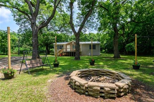 Photo of 70 County Road 2183, Gainesville, TX 76240 (MLS # 14631294)
