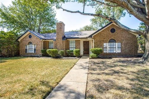 Photo of 916 Sandhurst Drive, Plano, TX 75025 (MLS # 14406295)